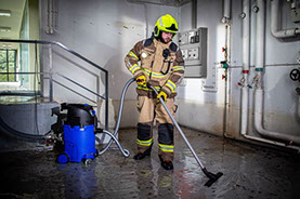 SHG Spechtenhauser new wet vacuum cleaner Mini-Aquatix in operation